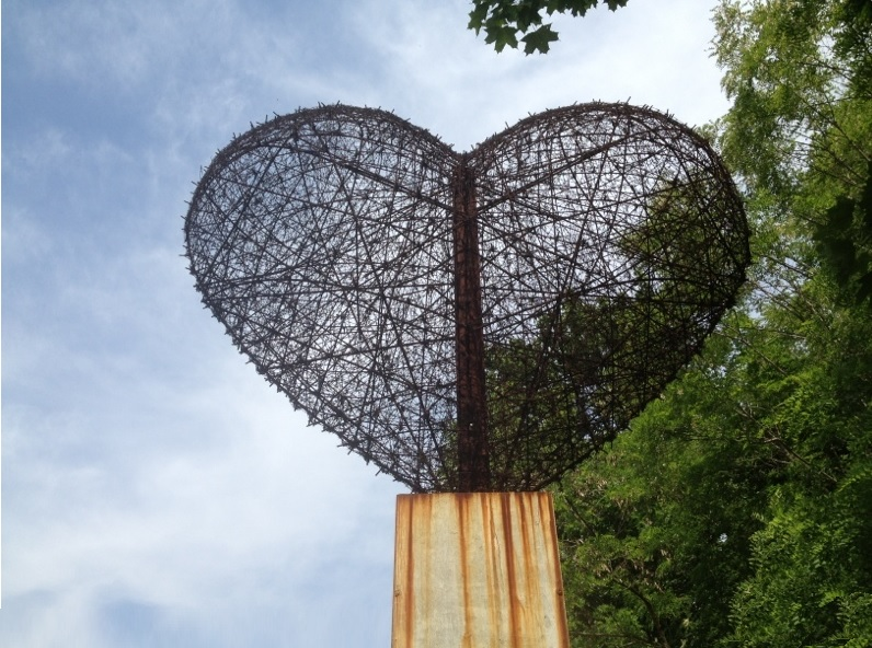 Top 10 Creative and Best Repurposed Barbed Wire